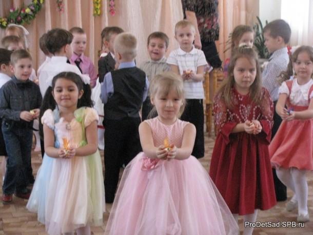 Танец с птичками к 8 марта