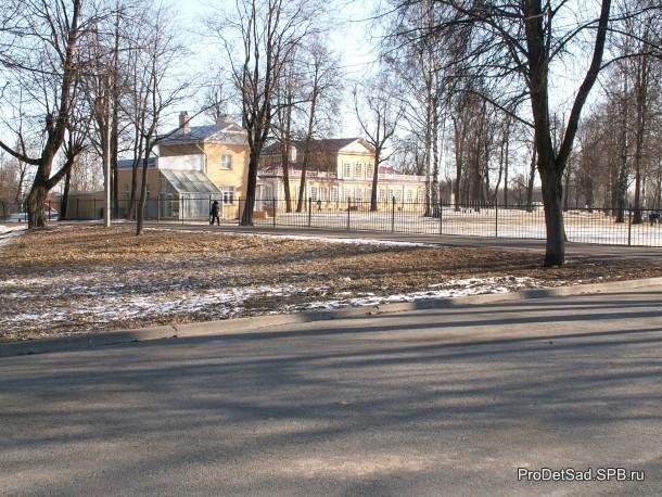 Путевой дворец Петра первого