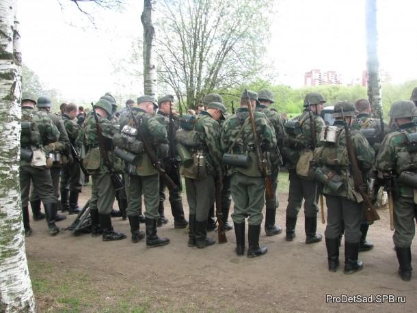 солдаты военных лет