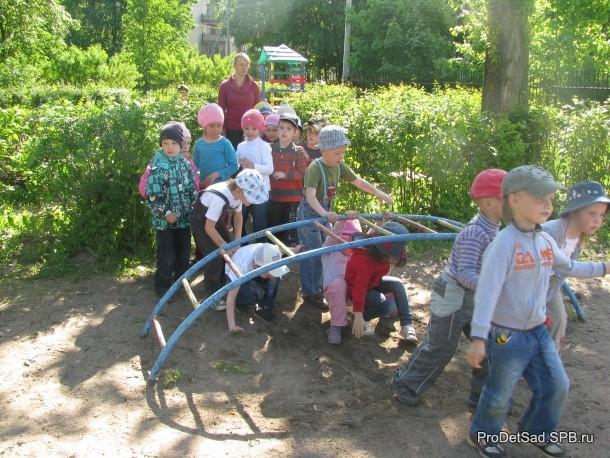 преграда на пути детей
