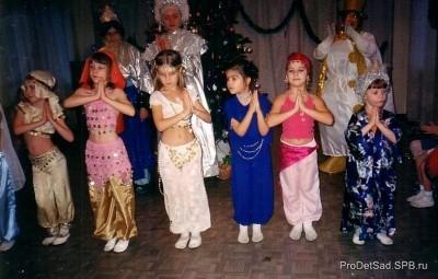 Восточные красавицы - стихотворение для новогоднего праздника