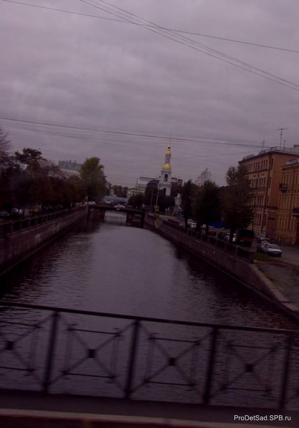Вид на Крюков канал