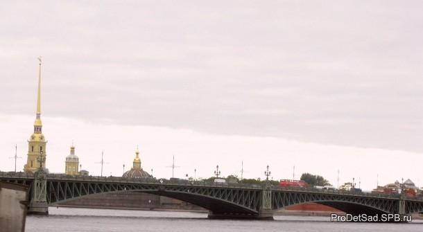 Петропавловская крепость - вид из Летнего сада