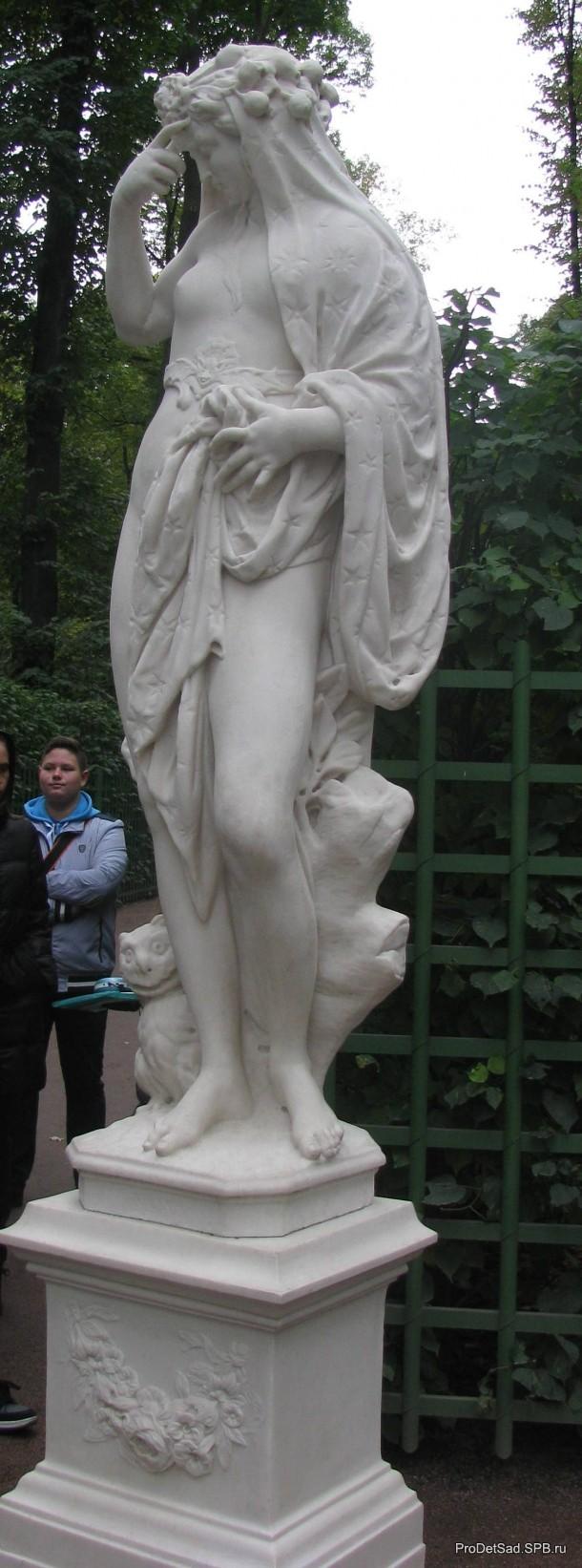 статуя Ночь в Летнем саду