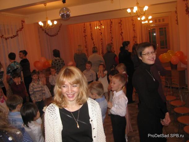 Мамы на празднике в детском саду