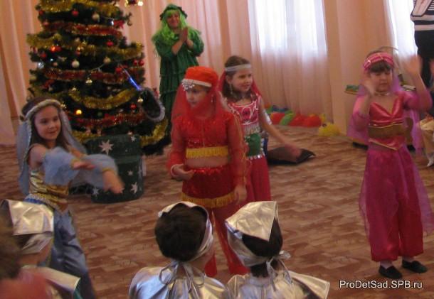Танец восточный на детской елке