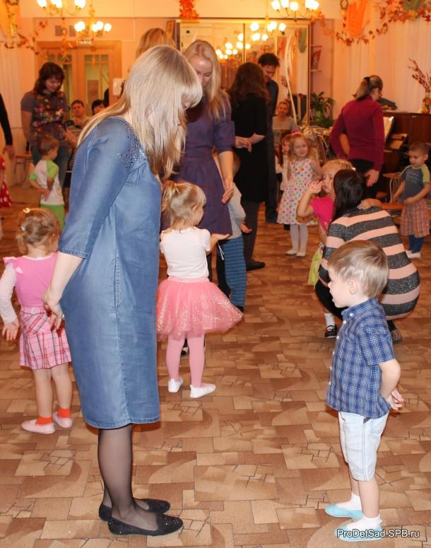 Танец с мамами